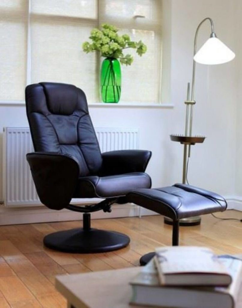 5 Amazing Reclining Swivel Chairs for Your Living Room 3