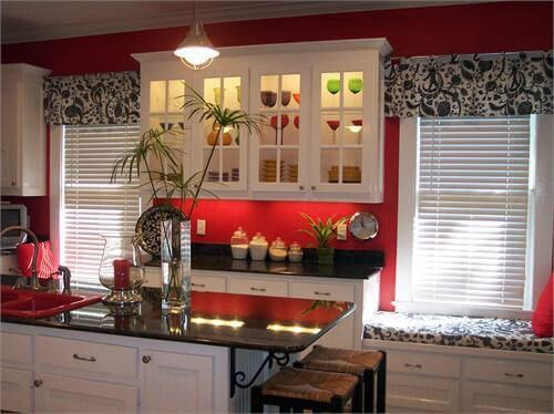 9 Gorgeous Red and Black Kitchen Ideas 1