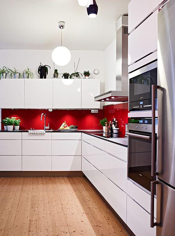 9 Gorgeous Red and Black Kitchen Ideas 7