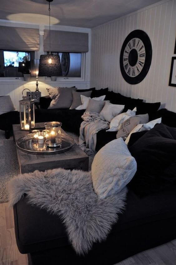 8 Luxurious Black and White Living Room Ideas 1