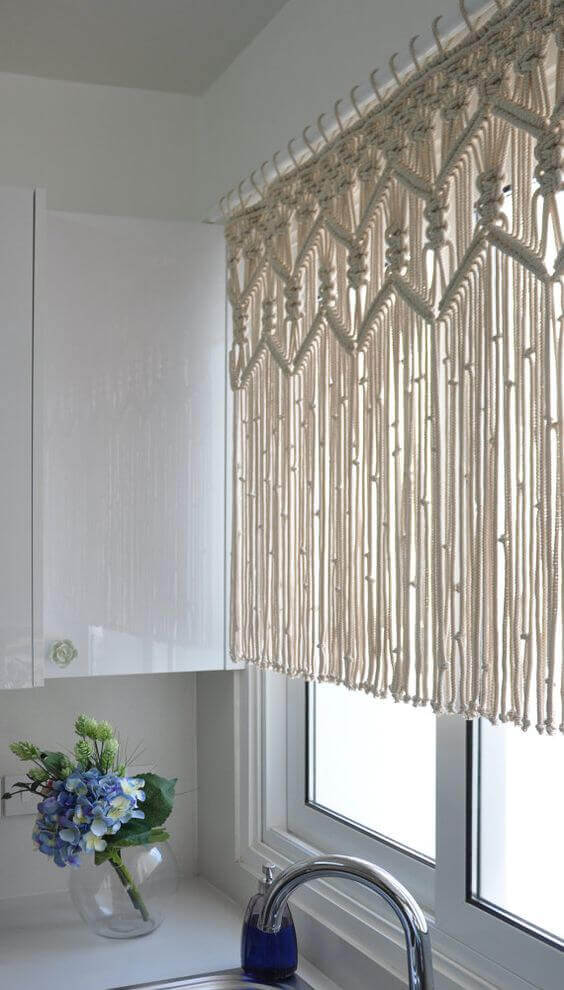 7 Stylish Window Valance Ideas 6