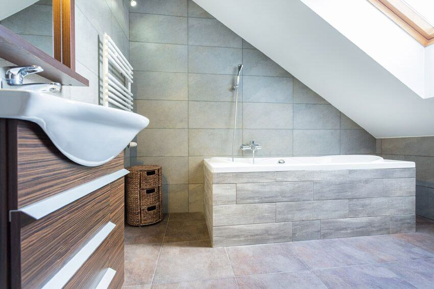 Bathroom Remodel Ideas With Inclined Ceiling 2