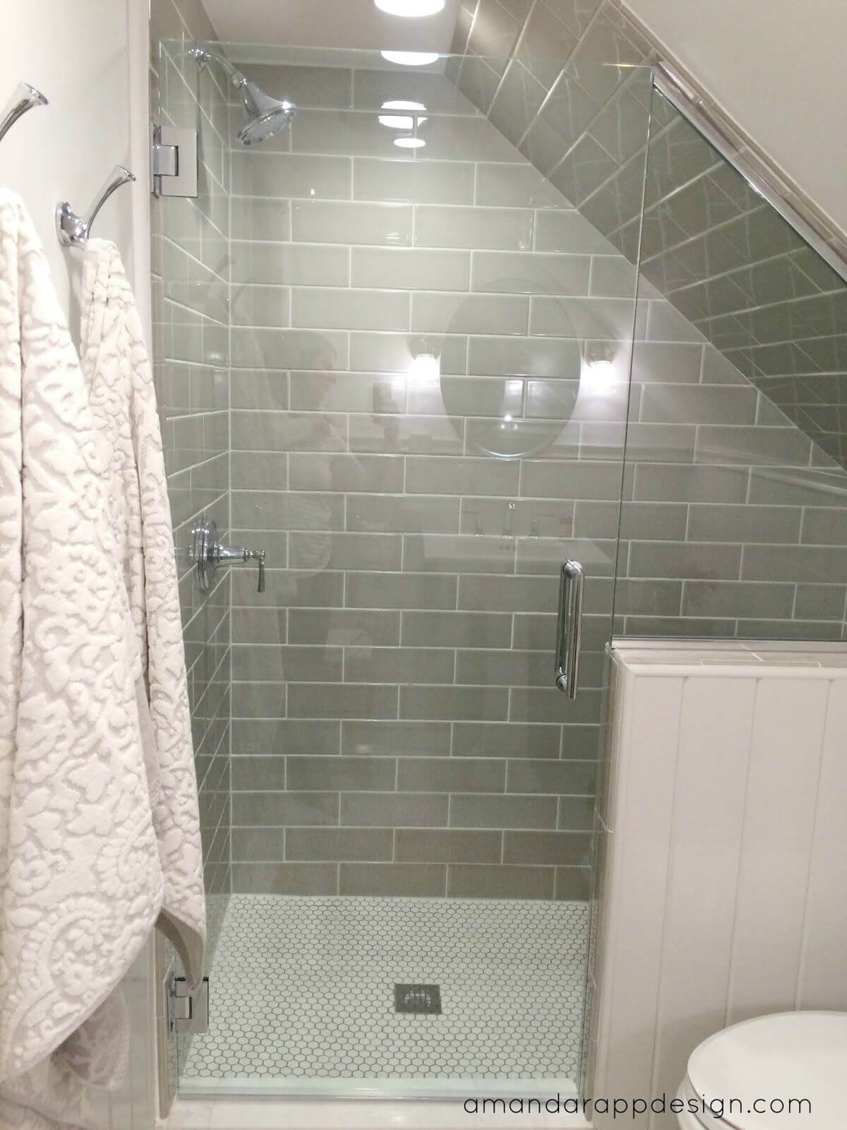Bathroom Remodel Ideas With Inclined Ceiling 5